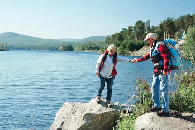 Senioren wandelen Gratis Foto