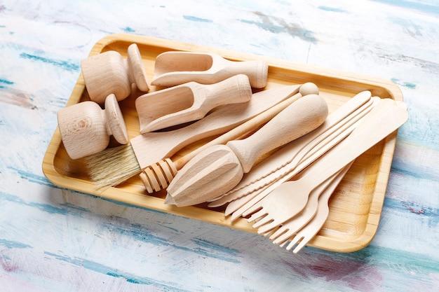 Set houten keukengerei, bovenaanzicht Gratis Foto