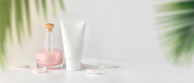 Set van cosmetische producten Premium Foto