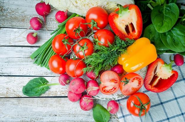 Set van groenten voor salade Premium Foto
