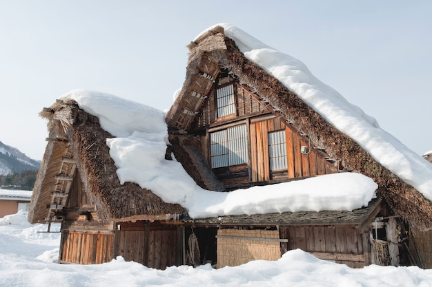 Shirakawago, historisch winterdorp in japan. Premium Foto