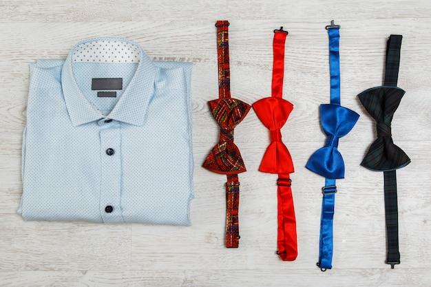 Shirt en verschillende strikjes Premium Foto