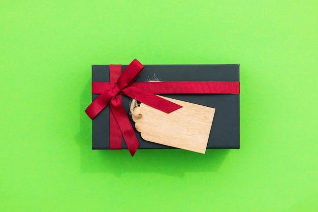 Simplistisch leuk cadeau met label Gratis Foto