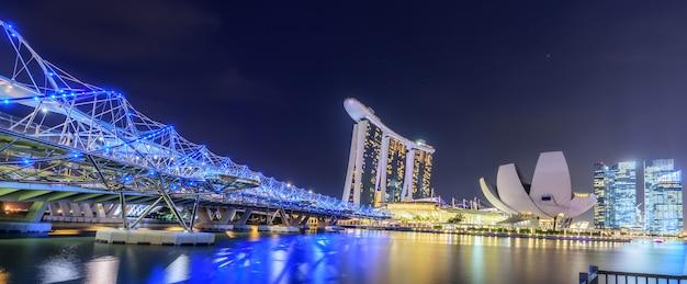 Skyline van singapore en uitzicht op marina bay Premium Foto
