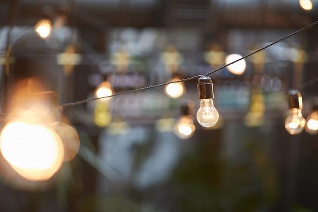 Slingers voor buitenverlichting Premium Foto