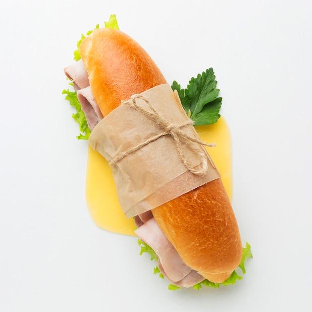 Sluit omhoog van verpakte sandwich Premium Foto