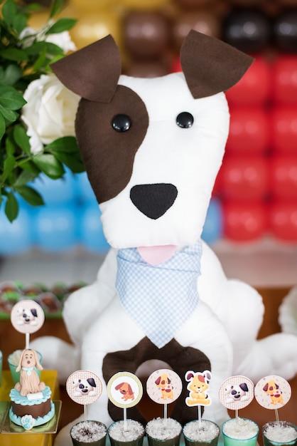 Snoepjes en tafeldecoratie - honden thema - kinder verjaardag Premium Foto