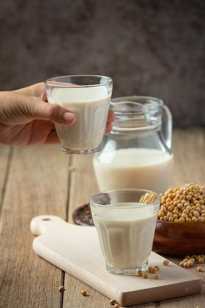 Sojamelk, soja-voedsel en drankproducten voedselvoeding concept. Gratis Foto