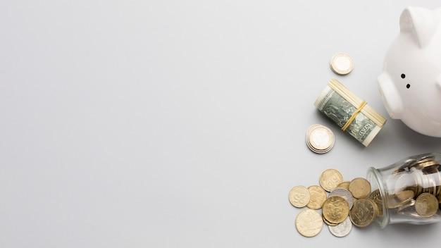 Spaarvarken en munt geld kopie ruimte Premium Foto