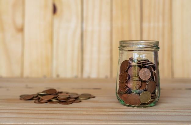 Sparen geld voor pensionering voor financiën bedrijfsconcept Premium Foto