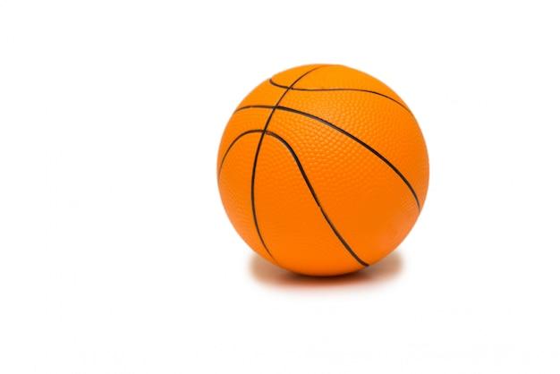 Speelgoed basketbal geïsoleerd Premium Foto
