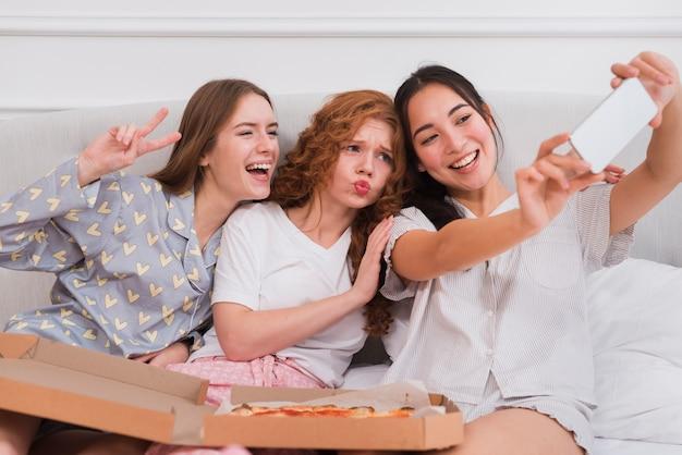 Speelse vriendinnen