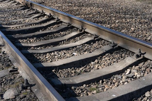 Spoorlijn op de grond Premium Foto