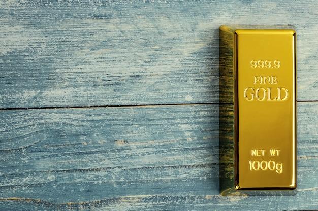 Staaf van puur goudmetaal Premium Foto