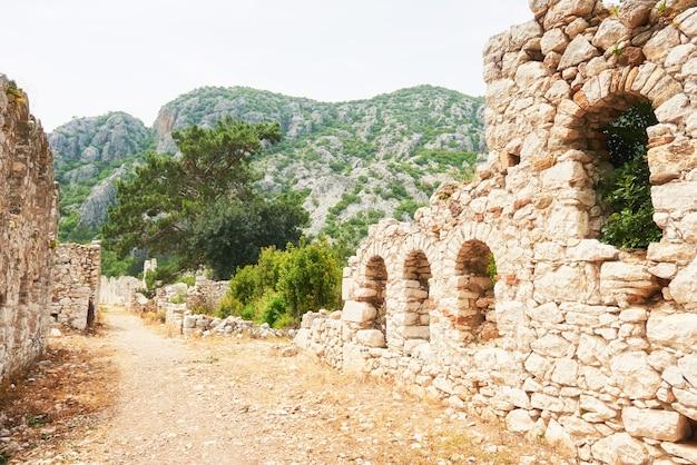 Stadsmuren in de ruïnes van troje, turkije. Gratis Foto