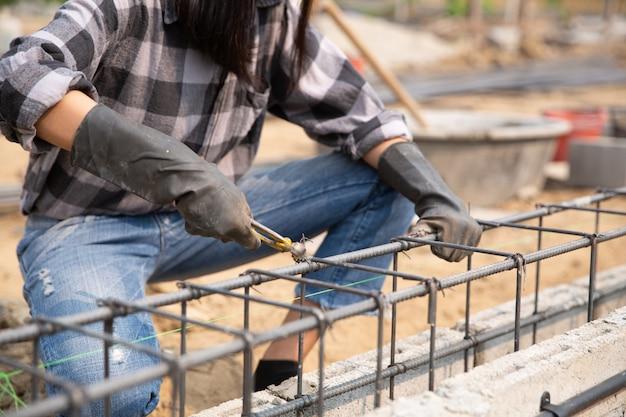 Stalen balk op de bouwplaats Gratis Foto