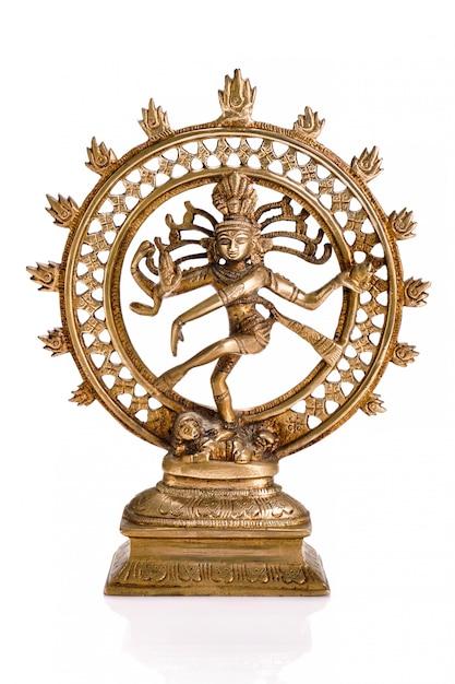 Standbeeld van shiva nataraja, lord of dance geïsoleerd Premium Foto