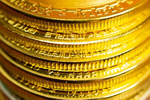 Stapel munten, close-up weergave van munten randen met selectieve aandacht Gratis Foto