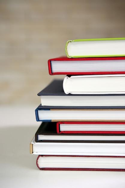Stapel nieuwe boeken Premium Foto