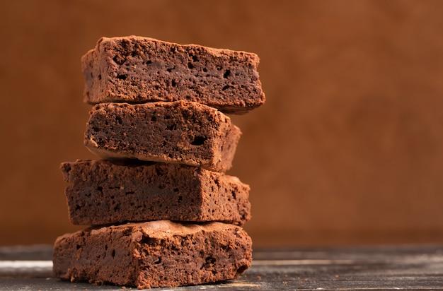 Stapel van cacao brownies Premium Foto