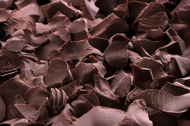 Stapel van donkere chocoladeachtergrond. zoete dessert close-up. Premium Foto
