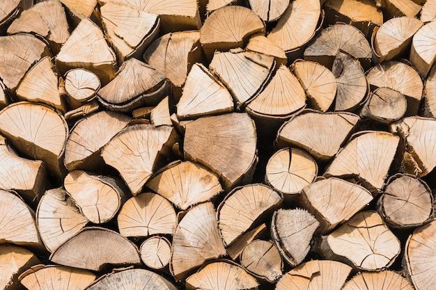 Stapel veel droog brandhout Gratis Foto
