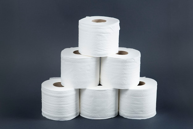 Stapel wc-papierrollen Gratis Foto