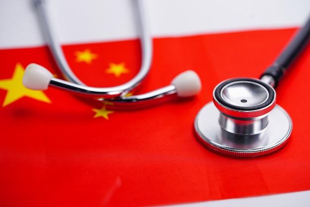 Stethoscoop met de vlag van china. Premium Foto