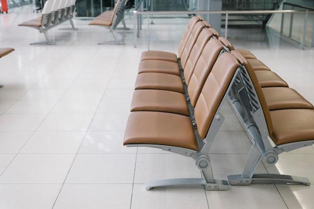 Stoel op de luchthaven Gratis Foto