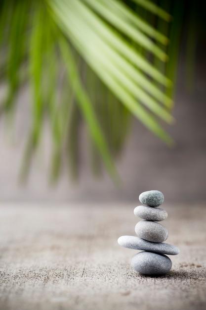 Stones spa-behandelingsscène, zen-achtige concepten. Premium Foto