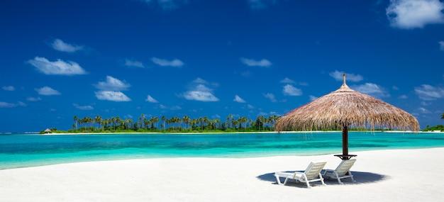 Strand in de maldiven Premium Foto
