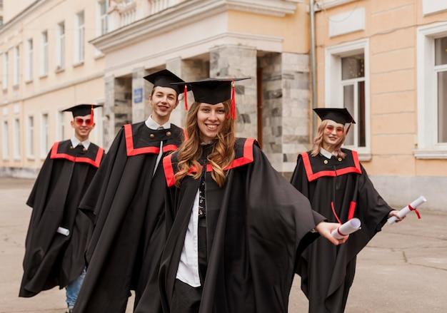 Studenten bij afstuderen Gratis Foto