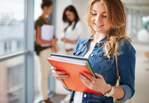 Studentenleven op de campus Gratis Foto