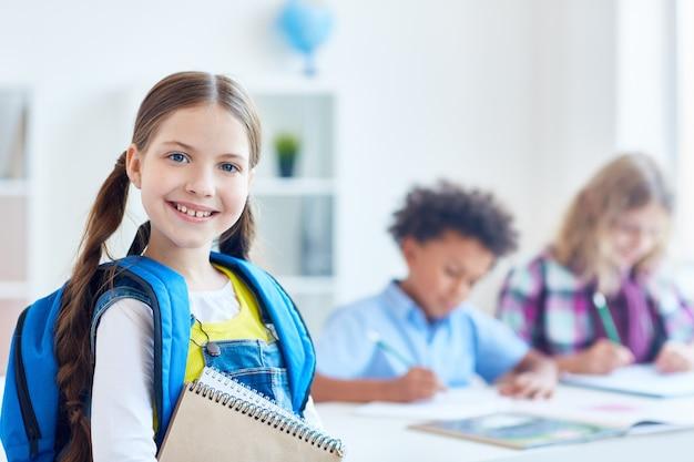 Succesvol schoolmeisje Gratis Foto