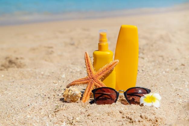 Sunblock op het strand Premium Foto