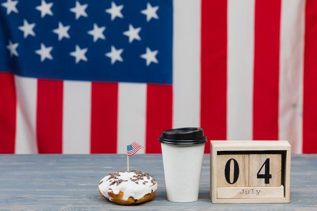 Taart en drankje voor 4 juli Gratis Foto