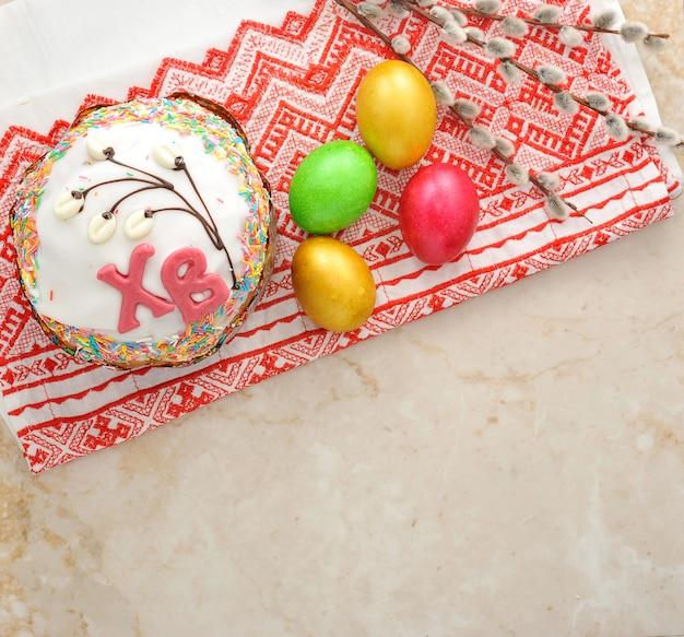 Taarten voor pasen en eieren Premium Foto