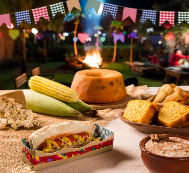 Tabel van braziliaanse festa junina. Premium Foto