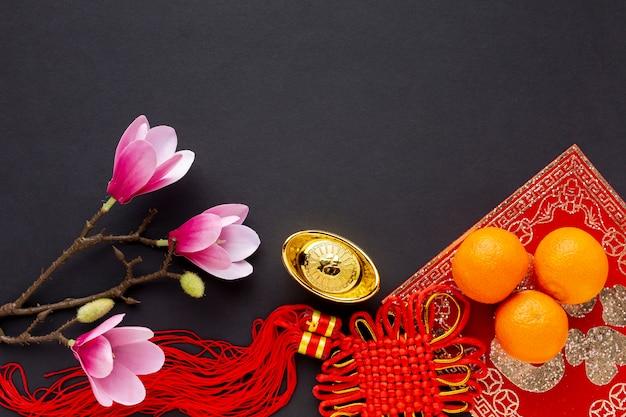 Tegenhanger en magnolia chinees nieuw jaar Gratis Foto