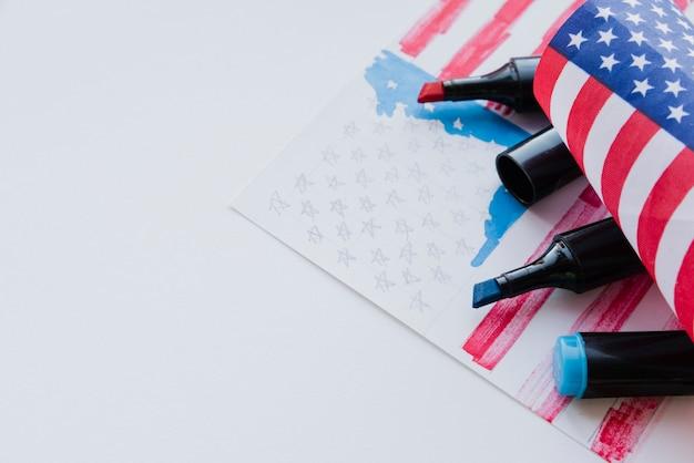 Tekening van amerikaanse vlag door markeringen Gratis Foto