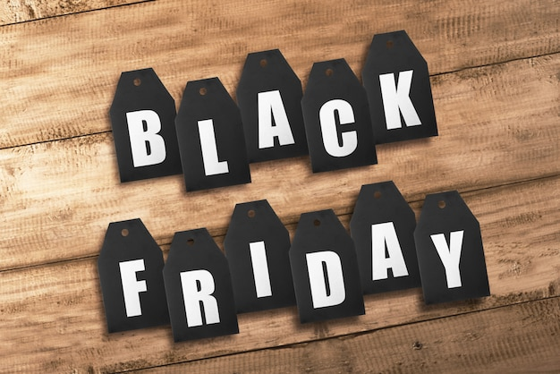 Tekst van black friday van zwarte verkoopmarkeringen Premium Foto