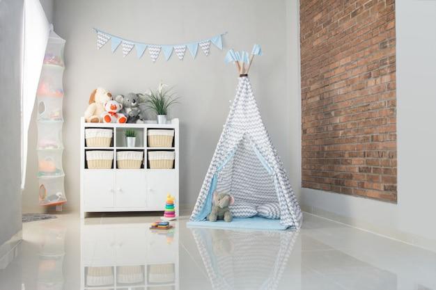 Tent in de woonkamer Premium Foto