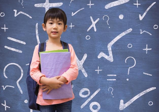 Terug naar school kind plus armen gekruist notepad Gratis Foto