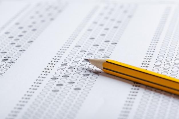 Test scorekaart met antwoorden Premium Foto