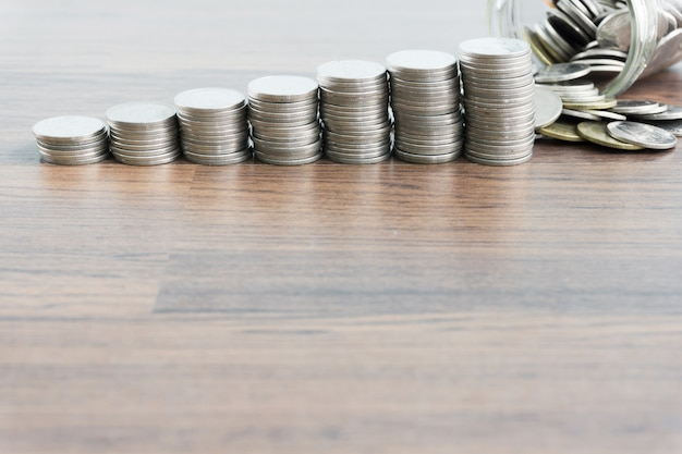 Thais muntgeld met sparen geldconcept Premium Foto