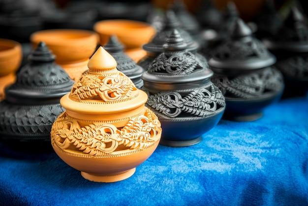 Thais traditioneel aardewerk Premium Foto