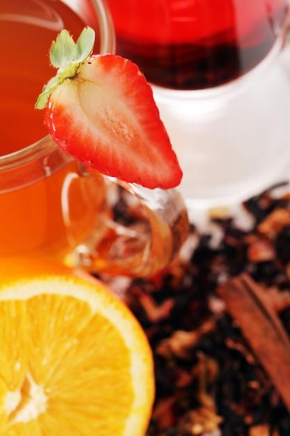 Thee met vers fruit Gratis Foto