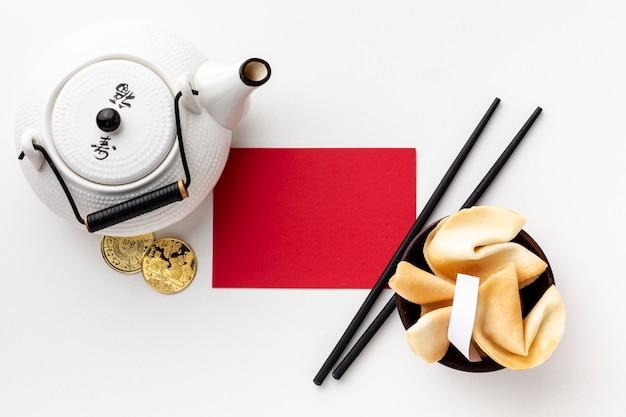 Theepot en kaartmodel chinees nieuwjaar Gratis Foto