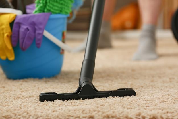 Thuiszorg voor tapijtstofzuiger Premium Foto