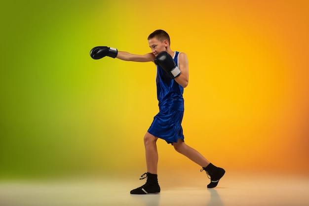 Tiener professionele bokseropleiding Gratis Foto